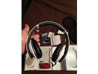 Dre Beats studio high definition headphones excellent condition!