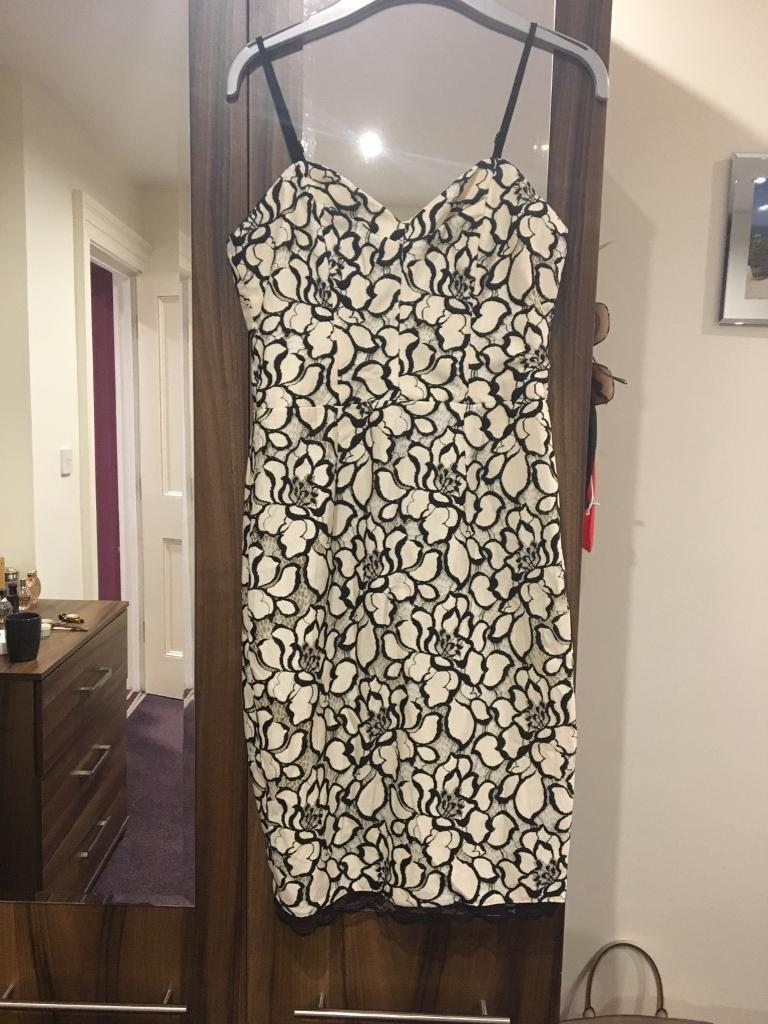 Lipsy Bodycon dress 10in Newcastle, Tyne and WearGumtree - Michelle Keegan Lipsy Dress 10Excellent conditionOff white and black lace RRP £65Collection Newcastle city centre or can post for £3 extra
