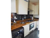 Refurbished Ground Floor Maisonette w/ Two Double Bedrooms, CR4
