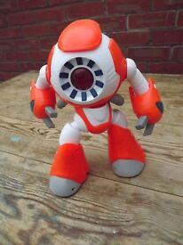 I-Que Interactive Intelligent Robot - as new - boxed, instructions etc