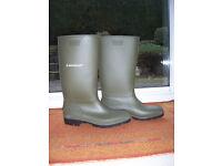 Dunlop wellington boots, size 12