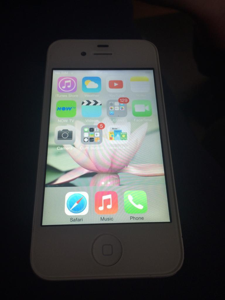 iPhone 4 white 16gb on Vodafonein Plaistow, LondonGumtree - iPhone 4 white 16gb on Vodafone used in good condition with charger no box