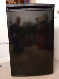 Hotpoint undercounter fridge.