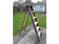 WOODEN STEP LADDER SHABBY CHIC