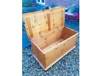 Solid pine ottoman. Toy box. G