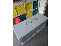 Toy chest / box