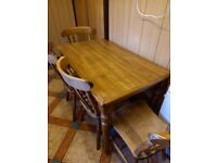 Immaculate Solid Oak Dining Table and 4 Chairs