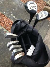 SELECTION OF GOLF CLUB WITH BAG AND BALLS.