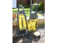 2 x POWERS WASHERS - kARCHER / LAVOR - FOR PARTS AS NOT WORKING