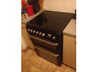 Hotpoint Ultima easy to clean catalytic oven with easy wipe ceramic hob