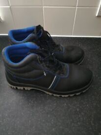 Men's safety boots,8UK, great condition, hi vis