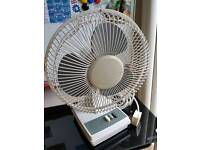 """PIFCO 3 SPEED OSCILLATING DESK TOP FAN 14"""" - WHITE"""