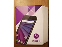 MOTOROLA 3rd generation 4G phone LIKE NEW