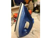 Brand new Philips steam iron in very good condition