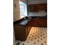 Solid Wood kitchen Doors, Granite Worktop, Siemens Appliances, Franke Sink and Taps