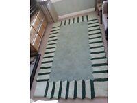 Large rug 1.5M x 2.4M (5' x 8')