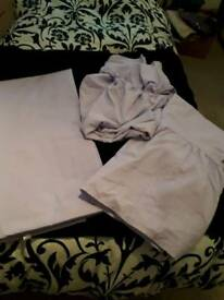KINGSIZE BEDDING SET IN LILAC ALL IN EXCELLENT CONDITION