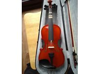 Gear4music 1/4 sized Student Violin - used for 3 months.