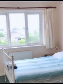 Double room for foreign university student near landsdowne university ,train ,Coach and bus station