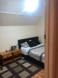 Double room near Ealing road