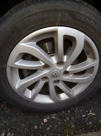 Renault alloy wheel wanted