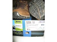MEINDL mens' walking shoes. Size 44
