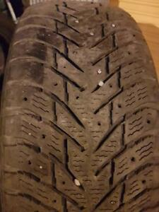 4 PNEUS HIVER - NOKIAN 235 60 17 - 4 WINTER TIRES