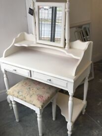Beautiful dressing table in antique white crystal handles