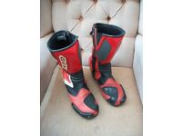 XPD BLACK AND RED MOTORCYCLE BOOTS - UK SIZE 9