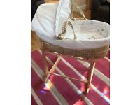 Clair de lune Moses basket and rocking stand