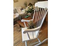 LOVELY SHABBY CHIC ROCKING CHAIR ENHANCE ANY AREA IDEALFOR NURSERY