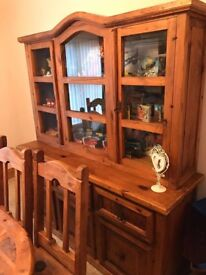 Beautiful Dresser / Display cabinet