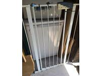 Dog gate with fixings *free*