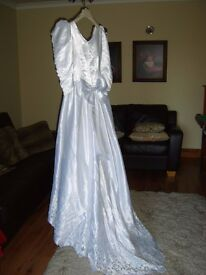 BEAUTIFUL DETAILED VINTAGE WEDDING DRESS SIZE 10
