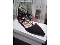 Black Lace Up Pointy Low Heel Sandals SIZE 6