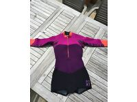 Roxy wetsuit in very good condition, short legs and long sleeves, size 8. 🐠🐟🐳🐋🐬. Unused.