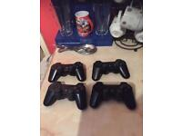 Ps 3 controllers x4