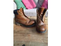 Men's Size 9 Timberline Boots.
