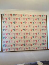 Childrens bunting Roman blind