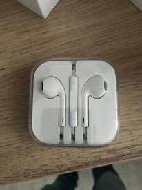 Brand new unopened apple headphones 10£!