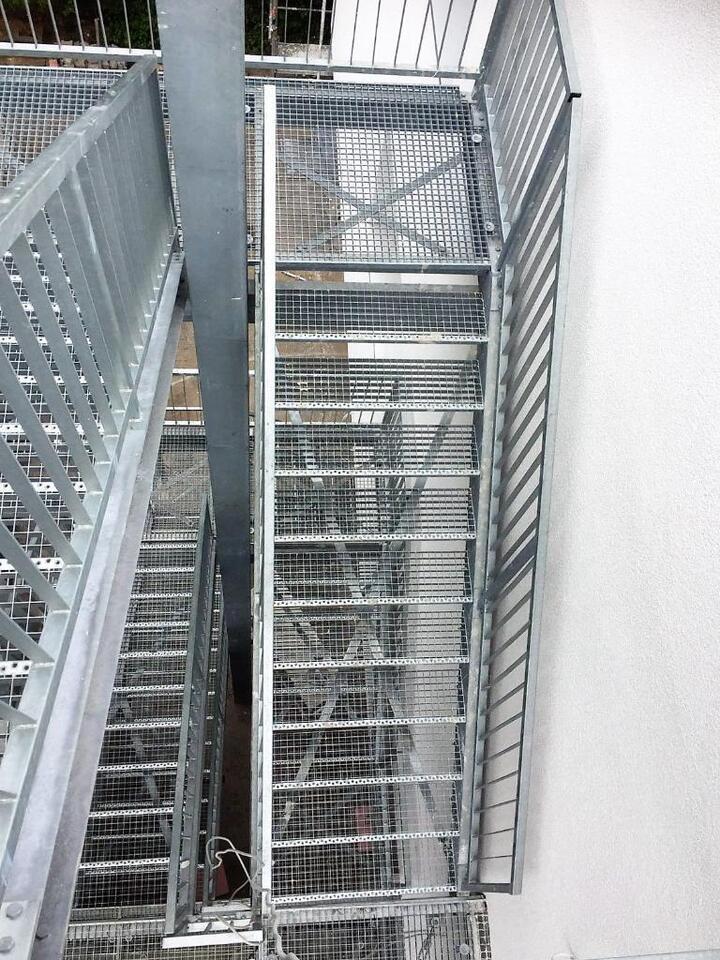 Außentreppe Treppenturm Fluchttreppe feuerverzinkt in Frankenthal (Pfalz)