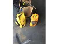 Two pressure washers for parts