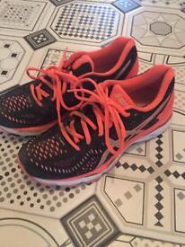 Ladies size 6 Asics running shoes
