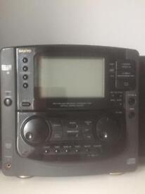 SANYO Stereo CD Radio Cassette