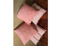 4 red / striped cushions