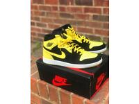 Nike Jordan 1 yellow and black dead stock