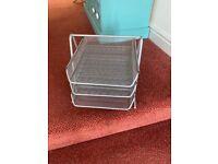 silver/grey mesh filling trays