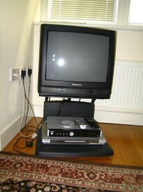 Panasonic 24 inches TV with digital Freeview Receiver And DVD Player