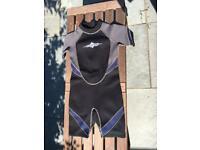 Kids osprey short wetsuit size 10-12