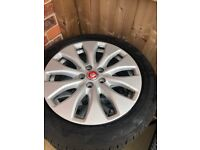 GENUINE JAGUAR ALLOYS AND NEW TYRES